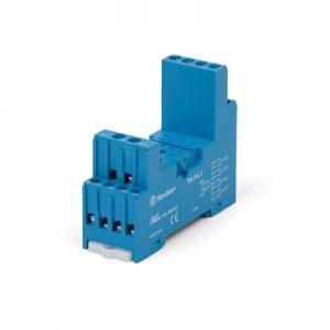 Socket for relais